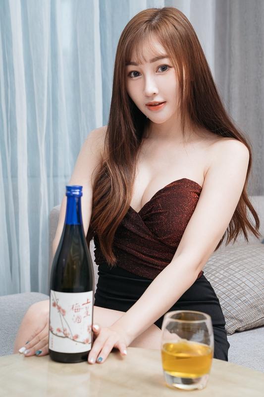 chichi yen endorses Plum wine011 嚴琪琪代言上星梅酒
