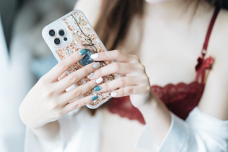 chichi yen endorses manicure005 嚴琪琪代言美甲