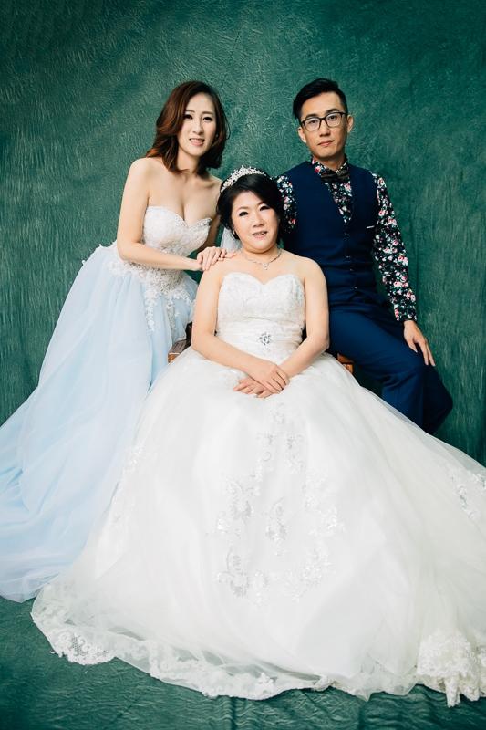 family 1 004 全家福 in 梨花247